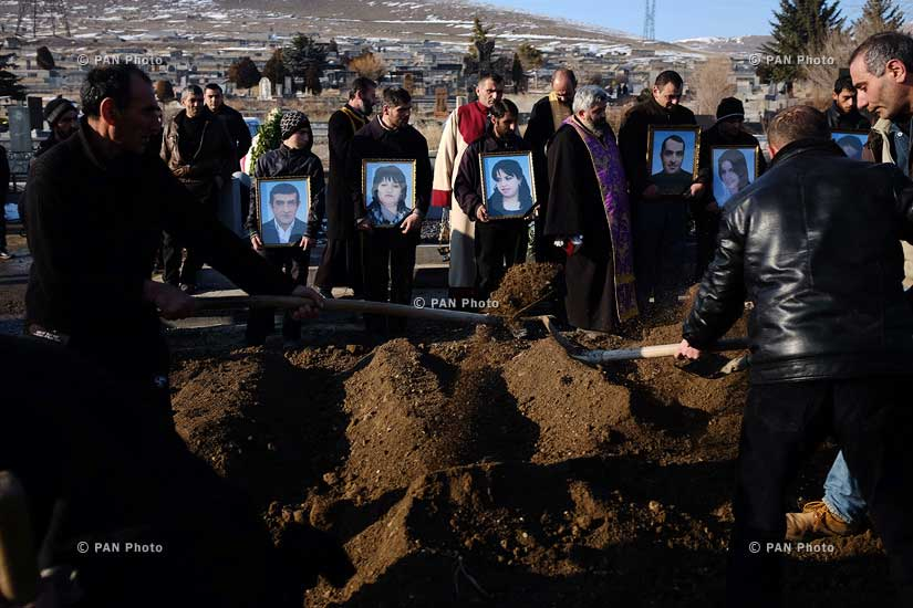 Funeral-of-six-members-of-the-Avetisyan-family-in-Gyumri