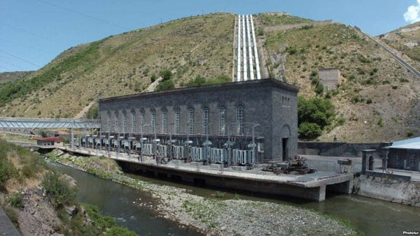 a series of three hydroelectric power plants totaling 405 MW on the Vorotan River in southern Armenia