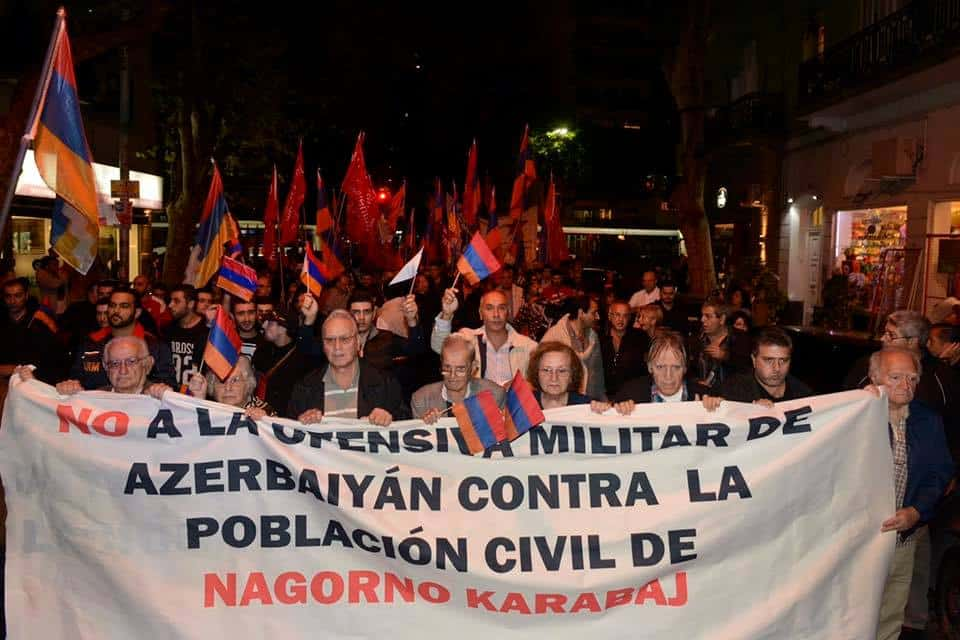 Armenians in Argentina Rally to the Embassy of Azerbaijan